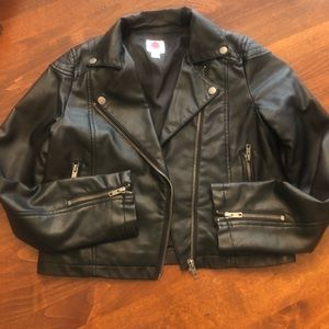 Girls faux leather jacket XL 14/16. Black.